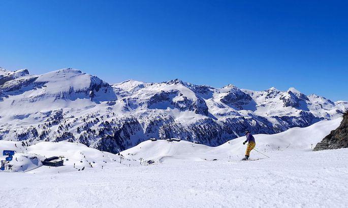 Es ist ein besorgniserregendes Szenario, das Klimaforscher für die Alpenregion zeichnen: Die Durchschnittstemperatur dürfte in den nächsten zehn Jahren um etwa ein halbes Grad Celsius steigen.