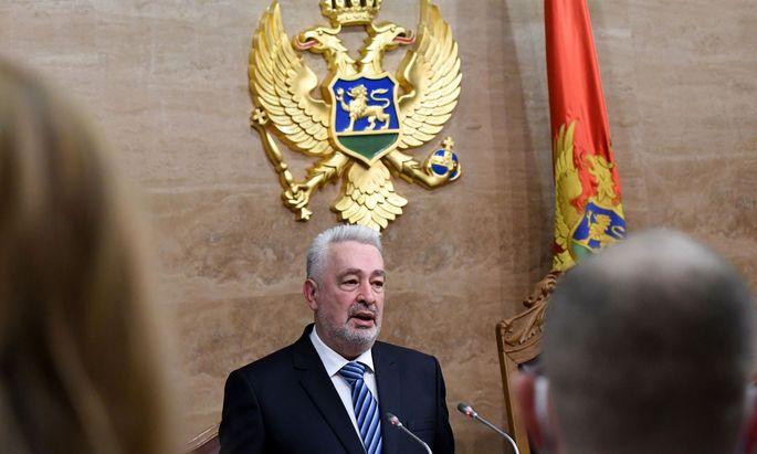Die Regierung des Ministerpräsidenten Zdravko Krivokapic erhielt die Unterstützung von 41 Abgeordneten.