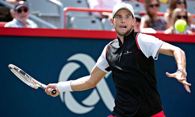 190810 MONTREAL Aug 10 2019 Xinhua Dominic Thiem of Austria returns the ball during the