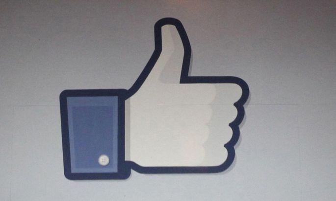 Internet Facebook macht Gewinn