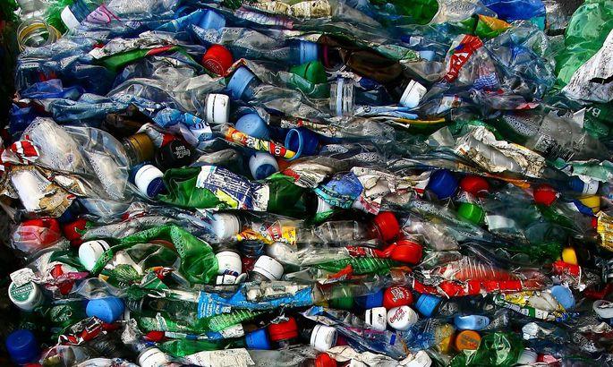 Gepresste Einwegflaschen