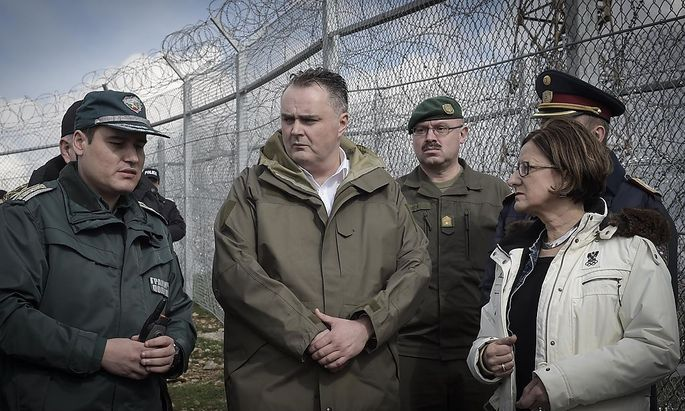 Doskozil und Mikl-Leitner an der Grenze zur Türkei.