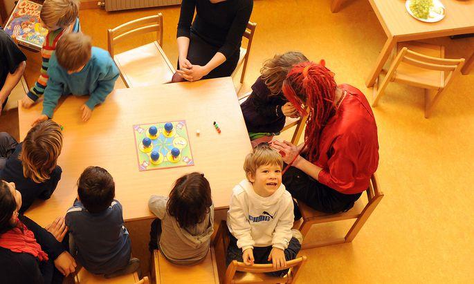 Von der Neuregelung betroffen sind unter anderem Kindergärtnerinnen