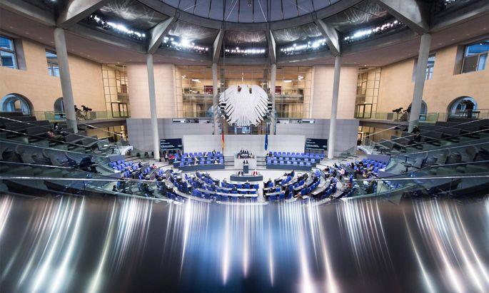 Archivbild: Plenarsaal während der Sitzung des deutschen Bundestags.