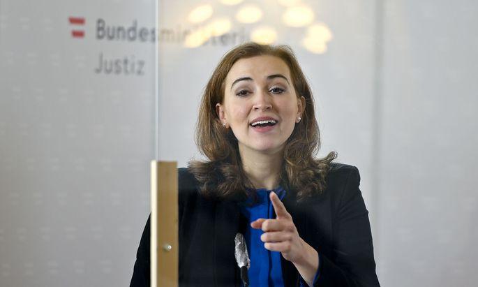 Justizministerin Alma Zadic setzte eine Arbeitsgruppe ein, die Vorschläge zur Entlastung der österreichischen Gefängnisse machen sollte. Die Resultate liegen nun vor.