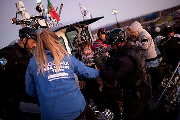 NGOs versuchen, Rechtsschutzlücken durch Rettungsaktionen von Geflüchteten im Mittelmeer zu schließen.