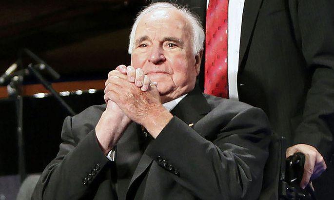 Deutschlands gesundheitlich angeschlagener Altkanzler Helmut Kohl