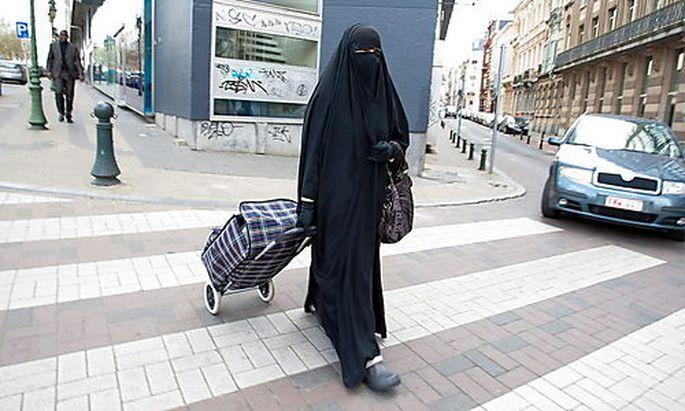 Burka-Verbot: Frankreich will auch Männer strafen