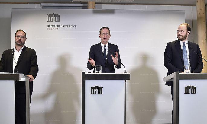 Christian Hafenecker, Kai Jan Krainer und Nikolaus Scherak wollen Vorwürfe gegen die ÖVP untersuchen.
