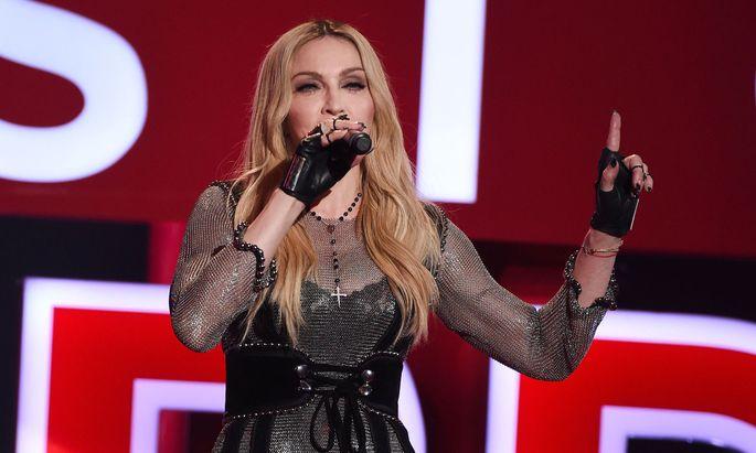 Falsche Aussage zu CoV: Instagram löscht Beitrag von Madonna