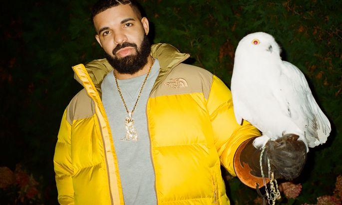 """Mit Eule und Herz im Haar; Drake auf einem PR-Foto für sein neues Album """"Certified Lover Boy""""."""
