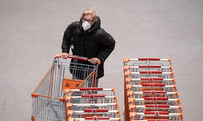 Farce um die österreichische FFP2-Maskenpflicht: Die EU hält wenig davon.
