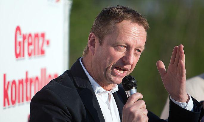 FPÖ-Burgenland-Chef Johann Tschürtz hatte Erklärungsbedarf.