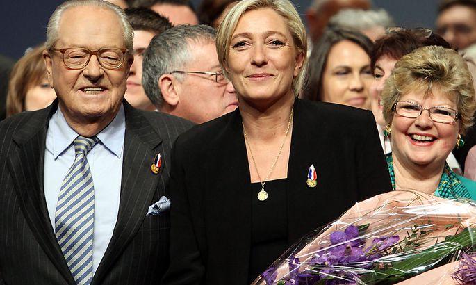 2011 übernahm Marine den Chefposten in der Partei Front National von ihrem Vater Jean-Marie Le Pen.