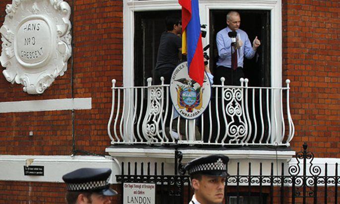 Voelkerrecht laesst Assange Briten