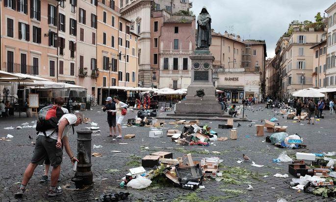 Dauerproblem in Italiens Hauptstadt: Roms Straßen versinken im Müll.