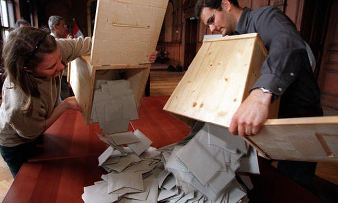 Wahlbeteiligung mit Briefwahl bei 53,6 Prozent