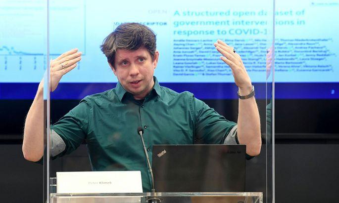 Prognoseforscher Peter Klimek ist Teil des Prognoseteams, das für die Regierung die Entwicklung der Pandemie berechnet
