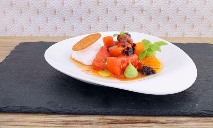 Tomatenvielfalt, Ricottaschaum, Tomatenmarinade und Basilikumcreme