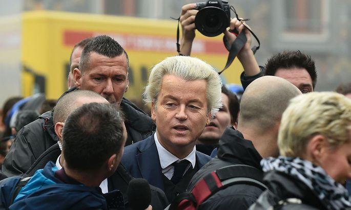 Wilders Partei liegt vor den Parlamentswahlen in Umfragen vorne.