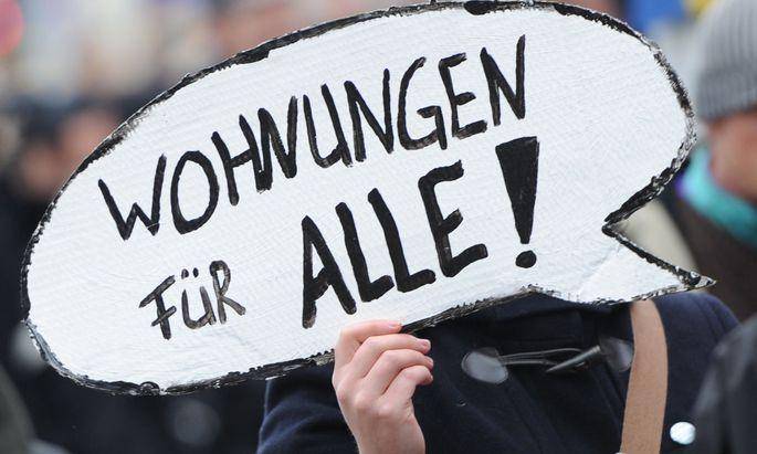 Der Berliner Senat will die Mieten für gut 1,5 Millionen Wohnungen in der Hauptstadt für fünf Jahre einfrieren