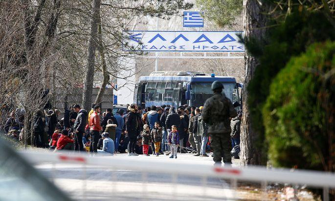 Der Grenzübergang zu Griechenland bei Pazarkule in der Türkei am Freitag.