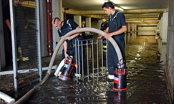 Unwetter Uberschwemmung Keller