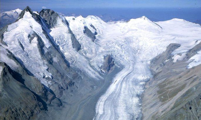 Altes Eis aus alpinen Gletschern verrät viel über den menschlichen Einfluss auf die Atmosphäre.