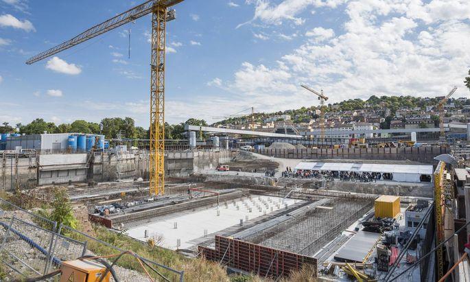 Grundsteinlegung Stuttgart 21 Baustelle fuer den Tiefbahnhof im Schlossgarten Copyright 7aktuell dex