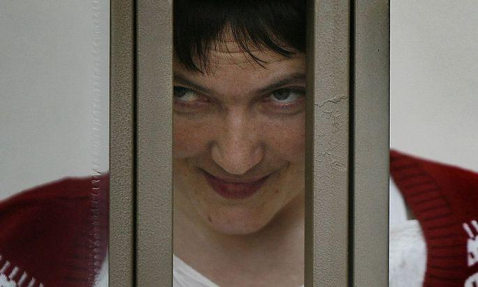 Sitzt in Russland im Gefängnis: Die ukrainische Pilotin Sawtschenko