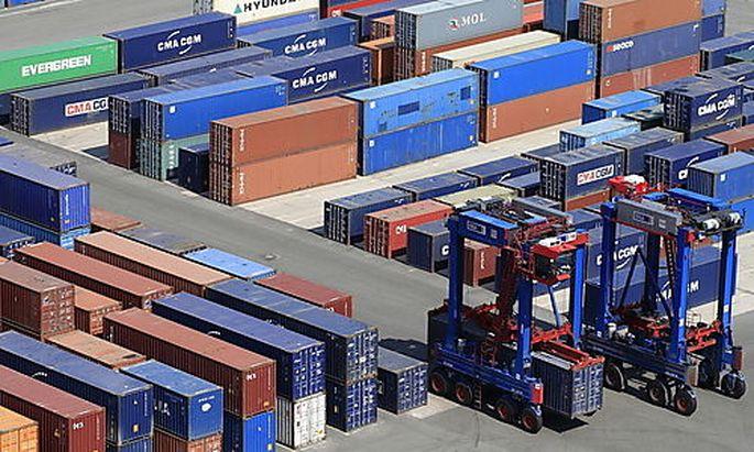 Handelsdefizit: Die USA importieren mehr als sie exportieren