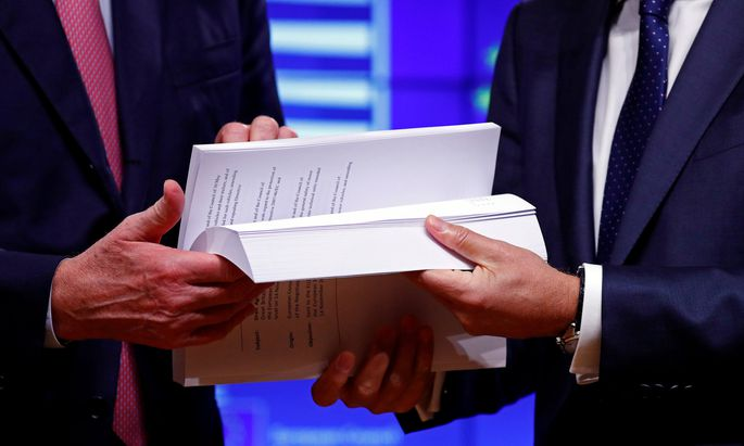 585 Seiten dick ist der Vertragsentwurf zwischen Brüssel und London – ob er die Abstimmungshürde im britischen Parlament nimmt, ist aber alles andere als sicher.
