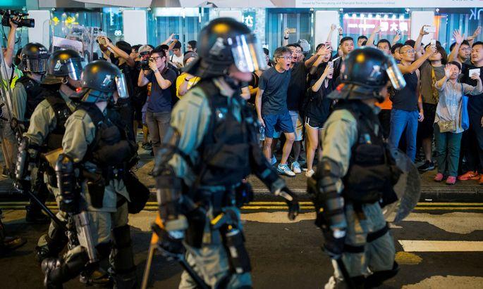 Demonstranten sollten durch die Videos diskreditiert werden.