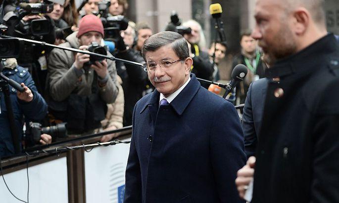 Premier Davutoglu muss dem EU-Vorschlag zustimmen.