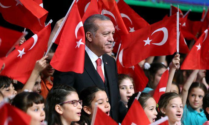 Der türkische Präsident Recep Tayyip Erdogan schließt ein EU-Referendum nicht aus.