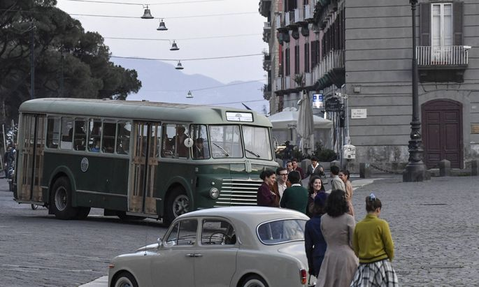 """Die Straßen von Neapel sind wieder mehr als nur Schauplatz. Im Bild Fotos von den Dreharbeiten zu """"Meine geniale Freundin""""."""