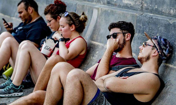 Die Hitze plagte auch die Touristen in Amsterdam im vergangenen Juli.