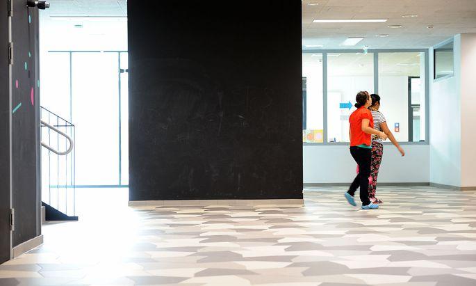 Die neu- bzw. umgebauten Schulen sollen mehr Platz bieten und heller sein.