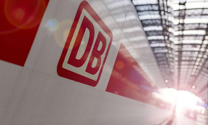 Archivbild eines ICE-Zuges im Bahnhof Köln.