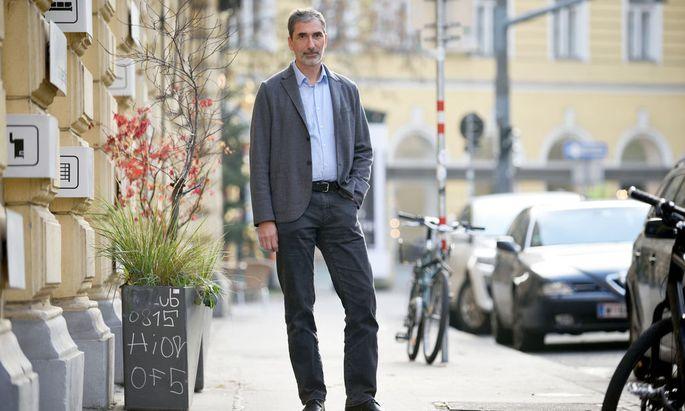 Er fährt ein Elektroauto, engagiert sich für Umwelt und Kultur – und für Waldorfschulen.