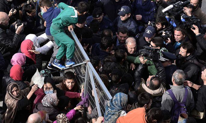 Migranten in einem Flüchtlingslager in Griechenland.