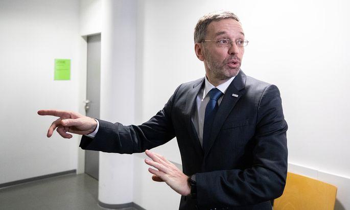 Man kann der FPÖ nicht vorwerfen, dass sie ihr Oppositionsgeschäft erledigt und Herbert Kickl in Schutz nimmt.