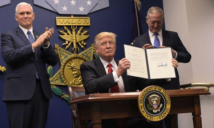 """Donald Trumps Executive Order zum """"Schutz der Nation""""."""