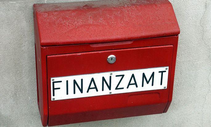 Briefkasten eines Finanzamtes