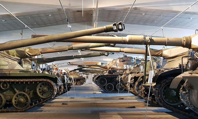 Sogar Panzer ließen sich nicht in der Inventarliste auffinden, stellten die Rechnungshofprüfer fest.