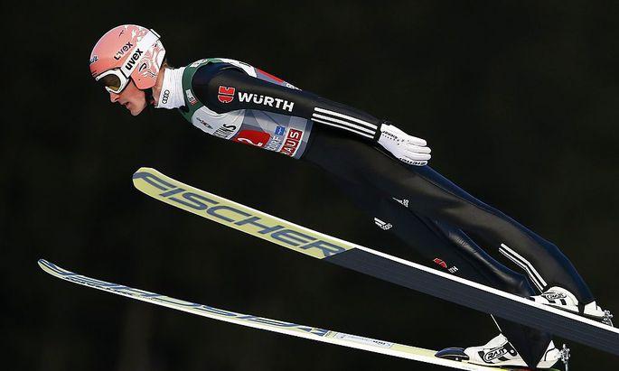 Skispringen: Freund gewinnt Tournee-Auftakt