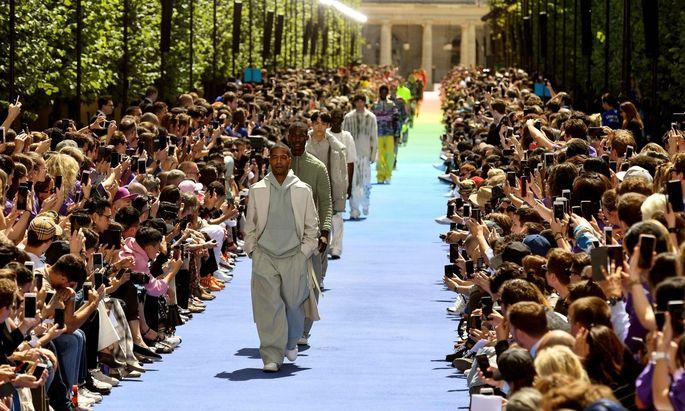 Ein diverses Casting bei Virgil Ablohs Designpremiere für Louis Vuitton.