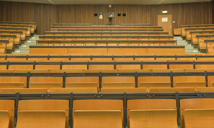 Enorme Unterschiede zwischen den Hochschulen gibt es weiterhin beim Thema Online-Prüfungen.