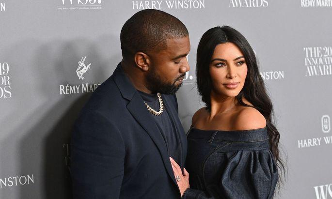 Kim Kardashian und Kanye West lassen sich nach sieben Jahren und vier Kindern scheiden.