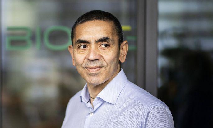 Dem Bloomberg Billionaires Index zufolge wuchs das Nettovermögen von Uğur Şahin auf 5,1 Milliarden Dollar (4,2 Milliarden Euro).